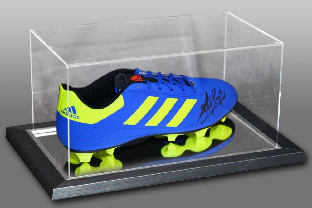 Kevin Keegan Signed Football Boot Presented In An Acrylic Case : C