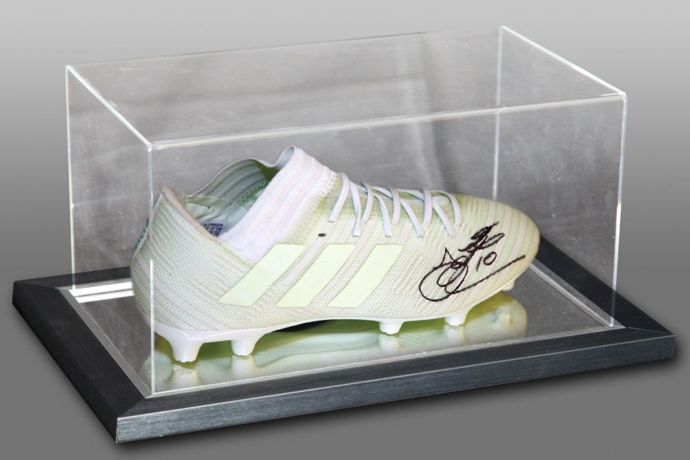 John Hartson Hand Signed Football Boot In An Acrylic Case