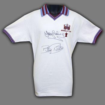 Trevor Brooking And Billy Bonds Duel Signed West ham United 1980 Football Shirt