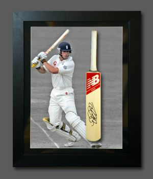 Alastair Cook Signed Cricket Mini Bat In A  Frame Presentation