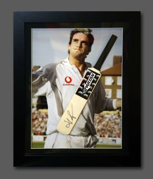 Kevin Pietersen Signed Cricket Mini Bat In A  Frame Presentation