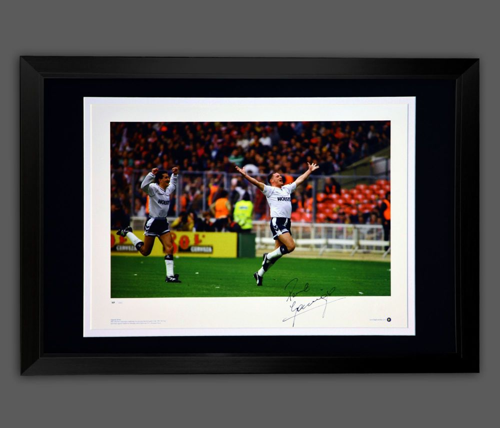 Paul Gascoigne Signed Framed Tottenham Hotspurs Football Photograph : A