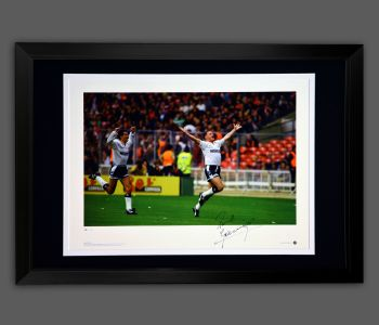 Paul Gascoigne Signed Framed Tottenham Hotspurs Football Photograph : A