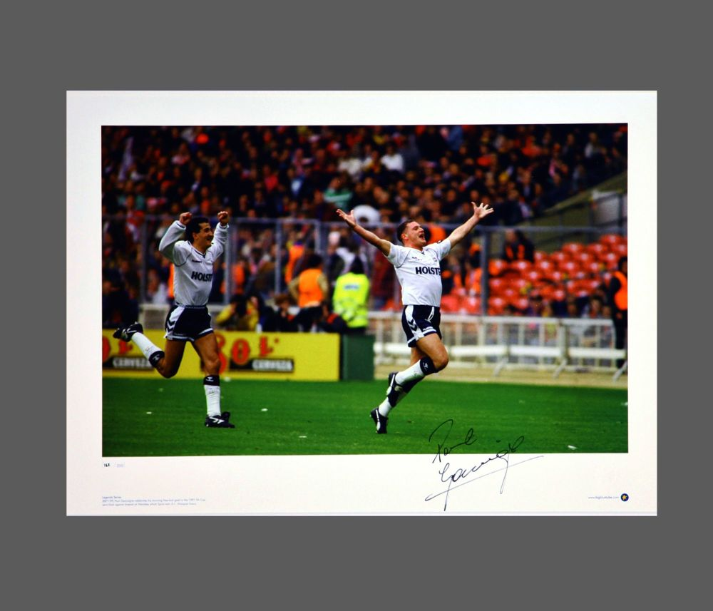 Paul Gascoigne Signed Tottenham Hotspurs Football Photograph: A