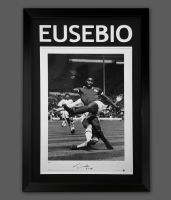 Eusebio Signed A2 Portugal Football Photograph in A Frame Presentation