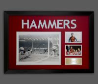 Geoff Hurst  Signed A2 Westham Photograph In A Framed Presentation