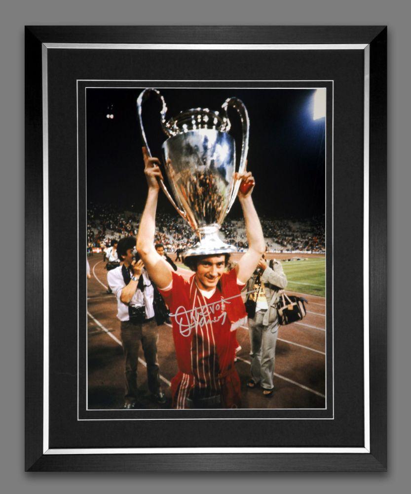 Trevor Francis Signed And Framed Nottingham Forest Cup Celebration Photogra