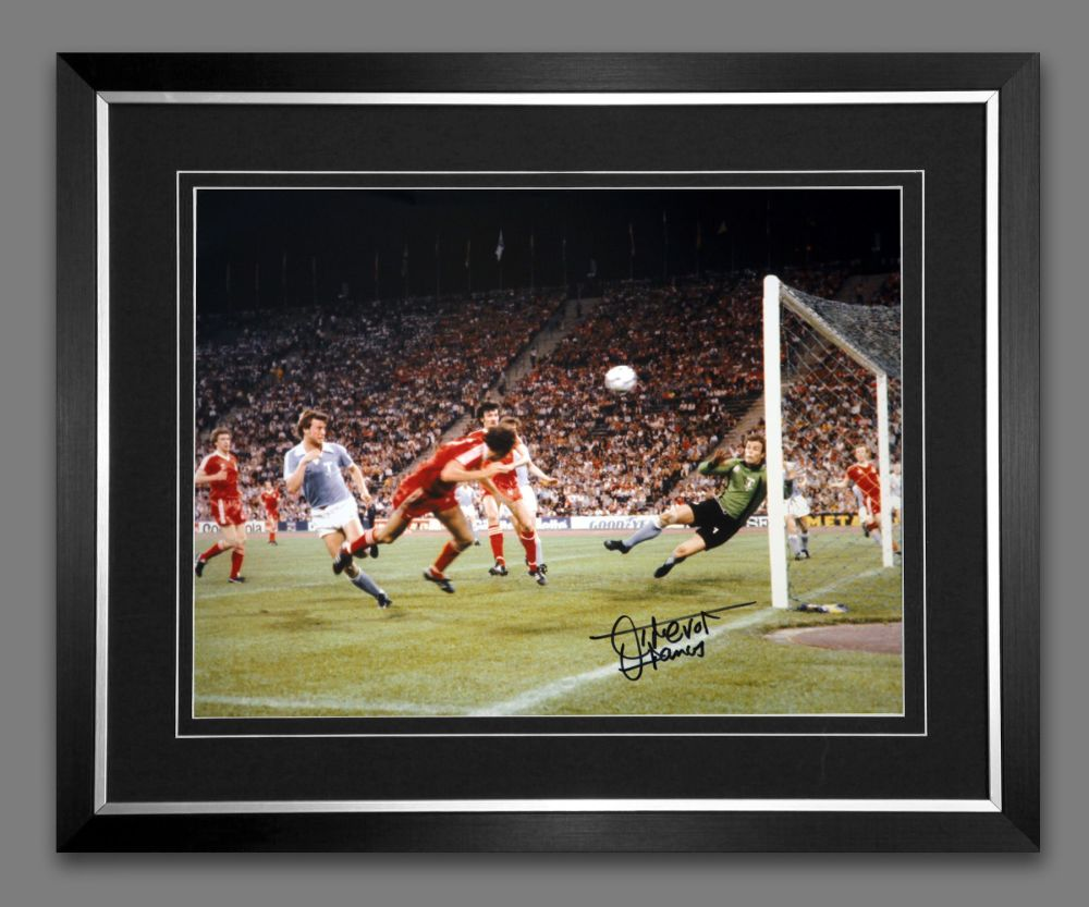 Trevor Francis Signed And Framed Nottingham Forest  Photograph