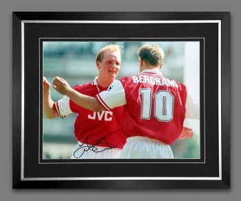 John Hartson Signed And Framed Arsenal 12x16 Photograph : A