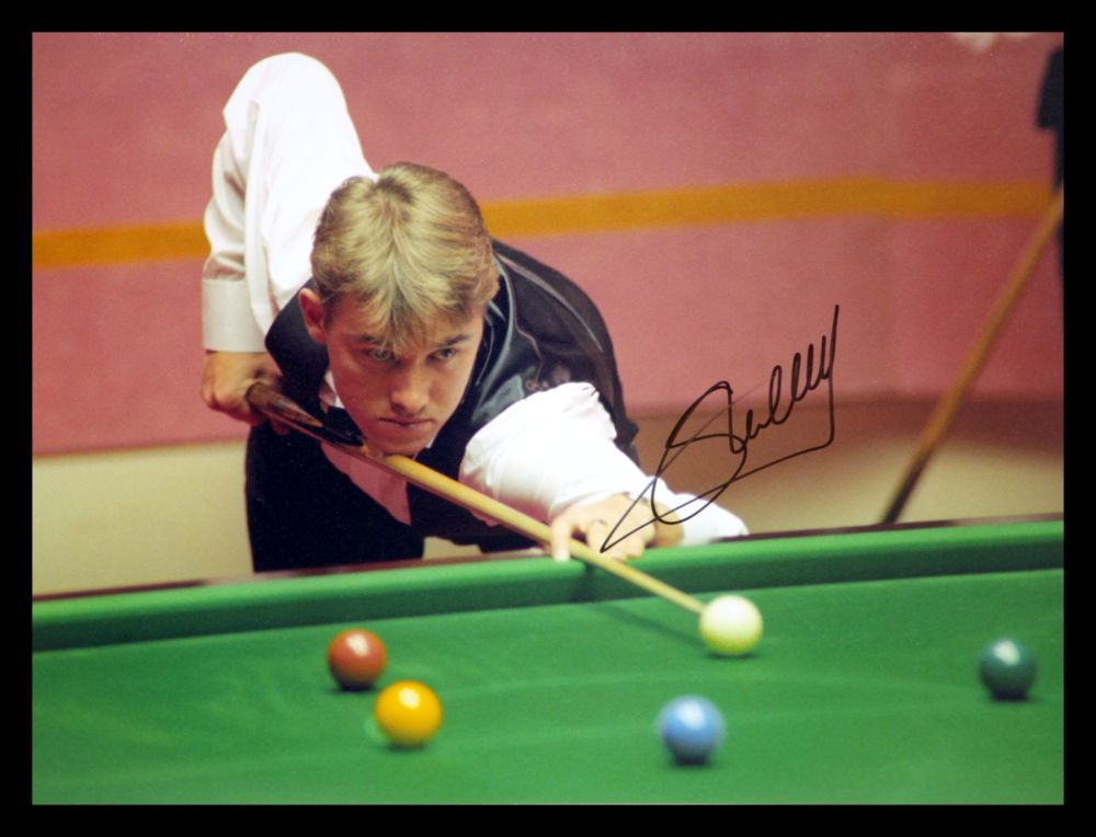 Stephen Hendry Signed Snooker Photograph : A