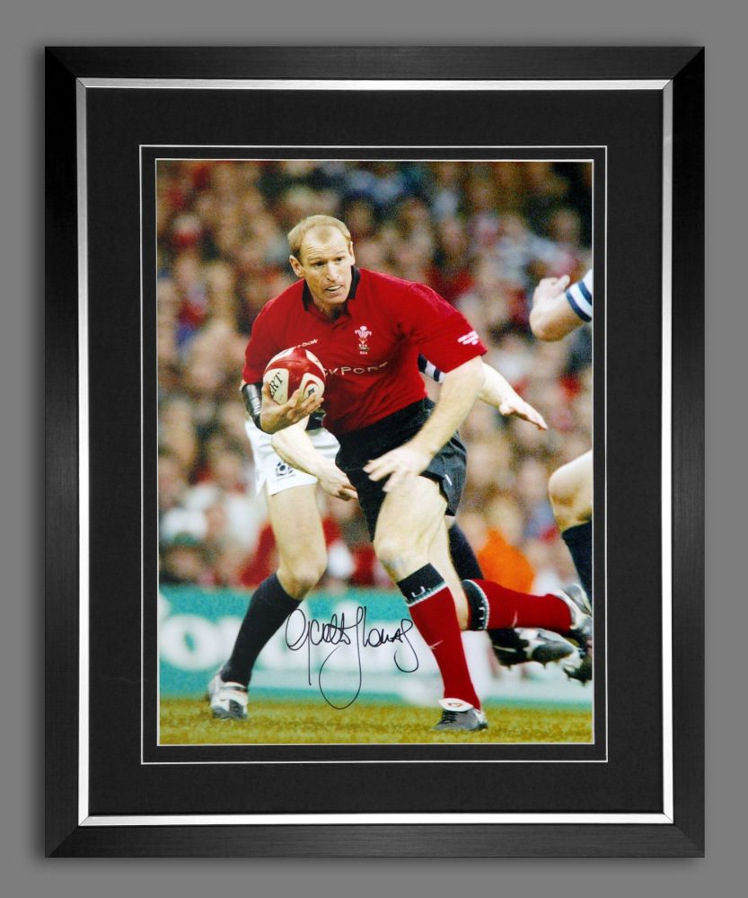 Gareth Thomas Hand Signed and Framed 12x16 Wales Rugby Photograph : C