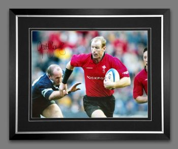 Gareth Thomas Hand Signed and Framed 12x16 Wales Rugby Photograph : D