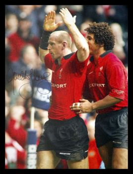Gareth Thomas Hand Signed  12x16 Wales Rugby Photograph  : A