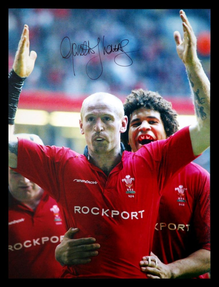 Gareth Thomas Hand Signed 12x16 Wales Rugby Photograph : B