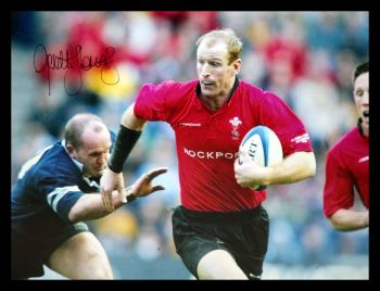 Gareth Thomas Hand Signed 12x16 Wales Rugby Photograph : D