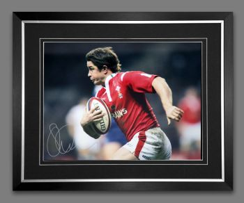 Shane Williams Rugby 12x16 Signed And Framed Photograph :  A