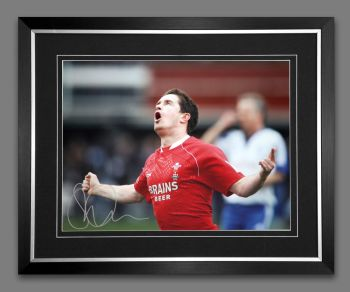Shane Williams Rugby 12x16 Signed Ans Framed Photograph :  B