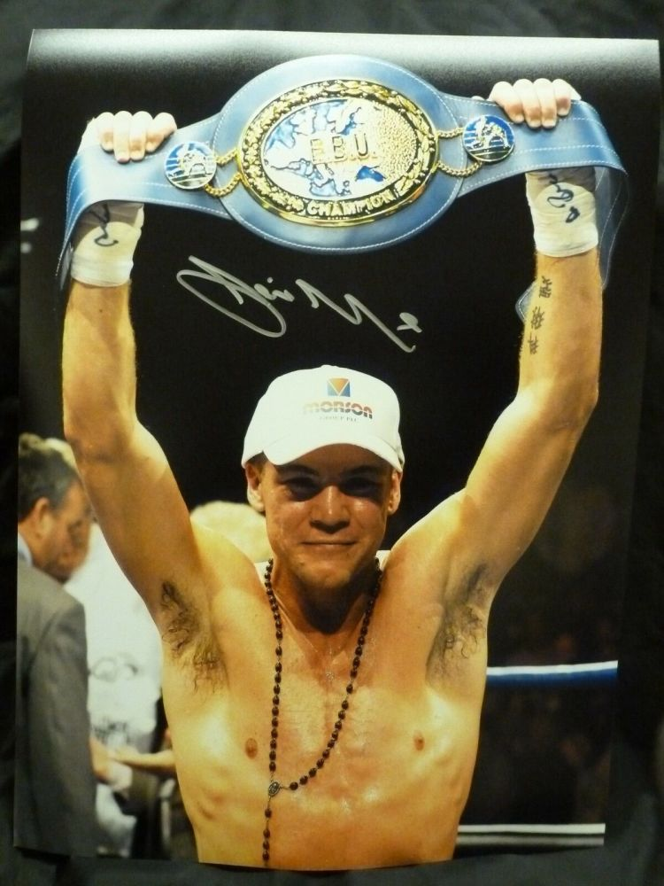 Jamie Moore Signed 12x16 Boxing Photograph : C