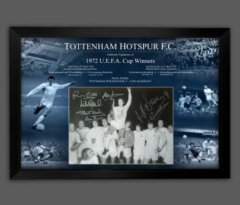 Tottenham Hotspurs 1972  Signed And Framed 12x16  Football  Photograph In A Framed Presentation.