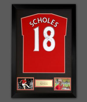 Paul Scholes Signed  No 18 Manchester United Football Shirt In A Framed Presentation