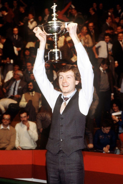 Steve Davis 10x8 Signed Snooker Photograph:   Sportsmania Autograph  Pre or