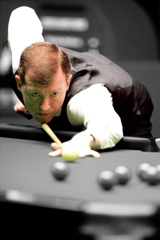 Steve Davis 10x8 Signed Snooker Photograph:  B : Sportsmania Autograph  Pre