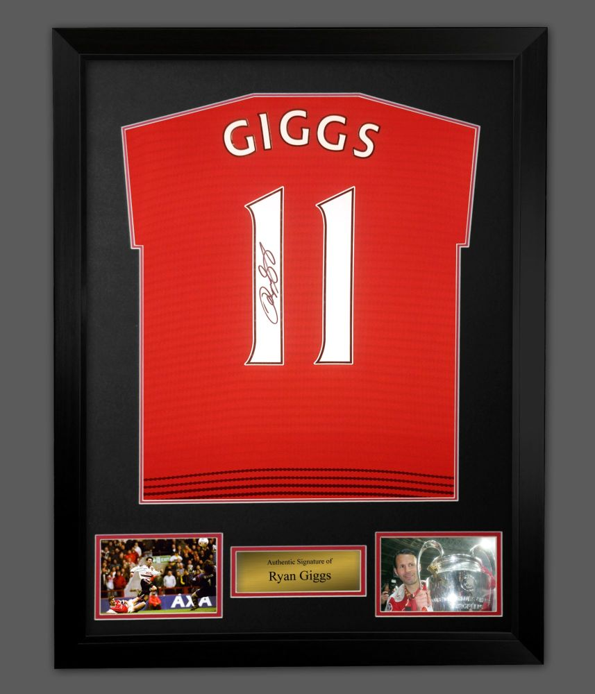 Ryan Giggs Signed Manchester United  Football Shirt In A  Frame Presentati