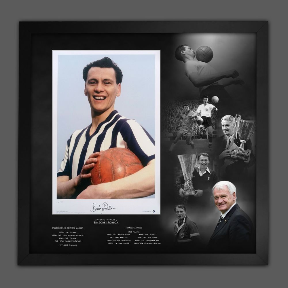 Sir Bobby Robson Signed Newcastle United Football Photograph In A Framed P