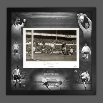 Jimmy Greaves Signed Spurs Fc Football Photograph In A Framed Picture Mount  Presentation : B