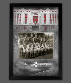 Arsenal Fc 1971 Double Winners Photograph Signed By  7  Framed In A Picture Mount Presentation: B