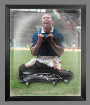 Ally Mccoist Rangers Signed Football Boots In An Acrylic Dome Frame : A