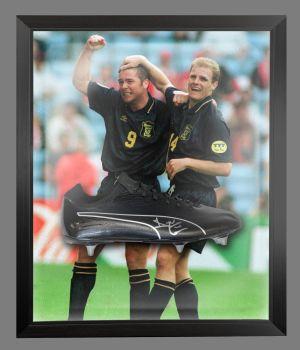 Ally Mccoist Scotland Signed Football Boots In An Acrylic Dome Frame : A
