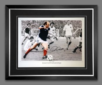 Archie Gemmill Scotland Hand Signed And Framed 12x16 Football Montage