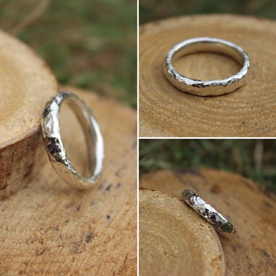 4mm Hammered Ring