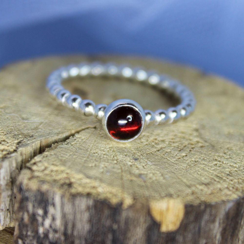 Bubble Stacking Ring with Garnet