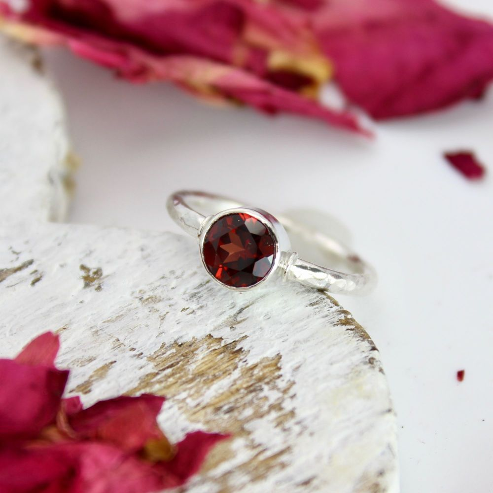 Garnet (7mm) Faceted Stone with Hammered Silver Band