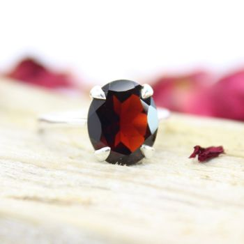 Garnet Thai (12 x 10mm) Oval Faceted Stone Ring