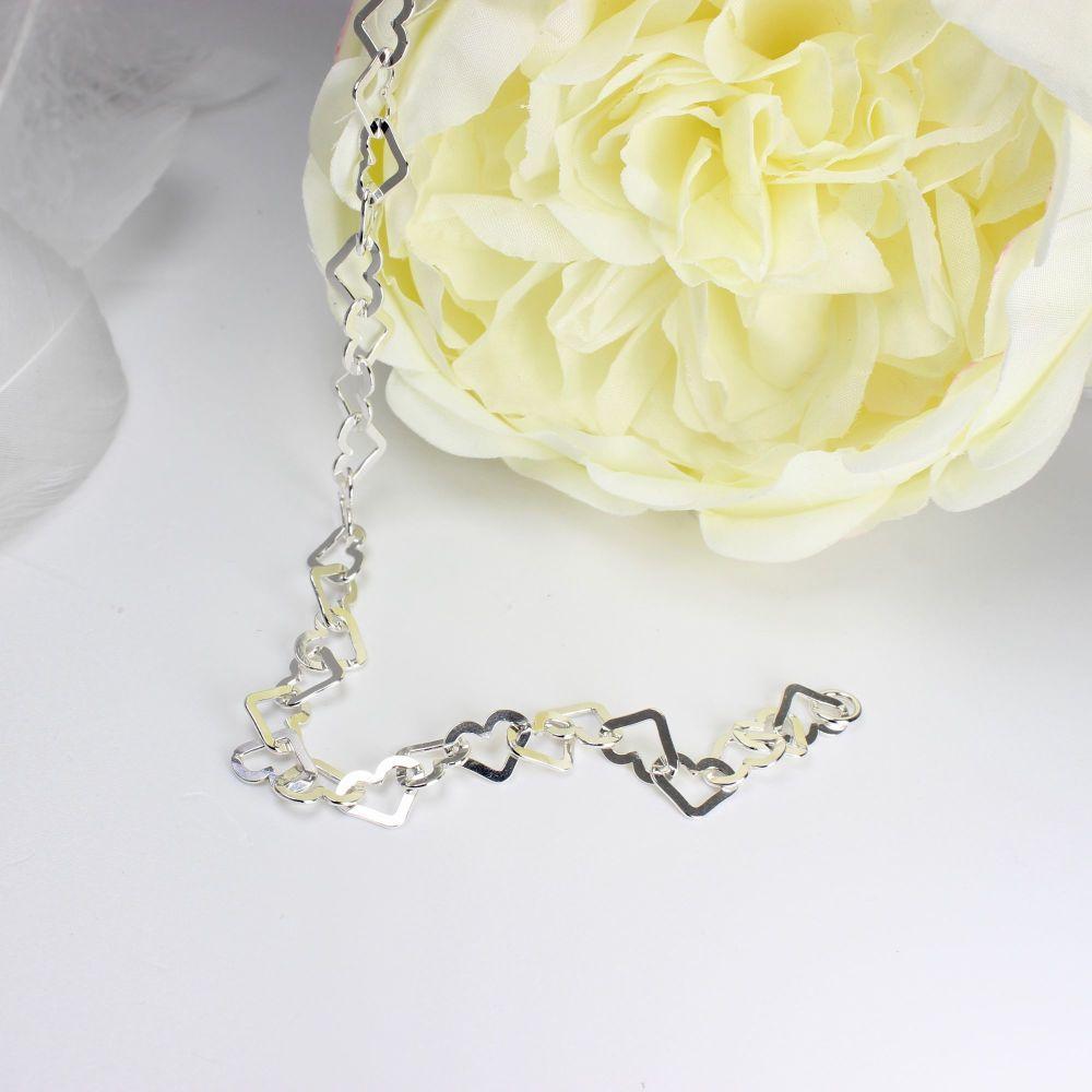 Flat Heart Link Bracelet