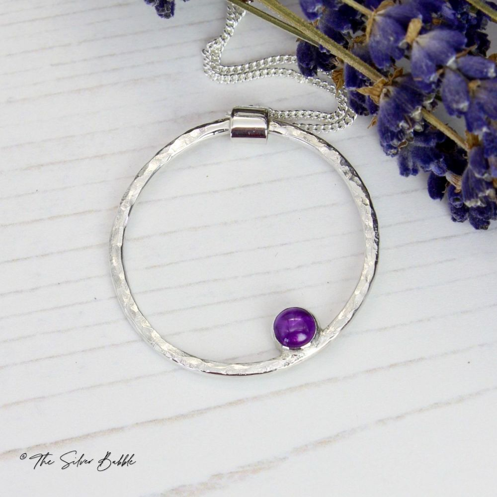 Hammered Circle Necklace (thin) with Amethyst