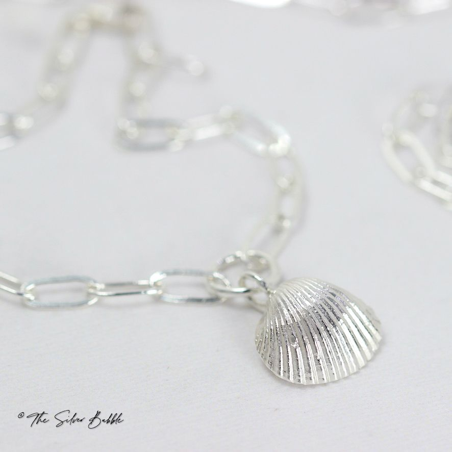 Whitstable Shell Bracelet (design 1) on an Oval Link Chain