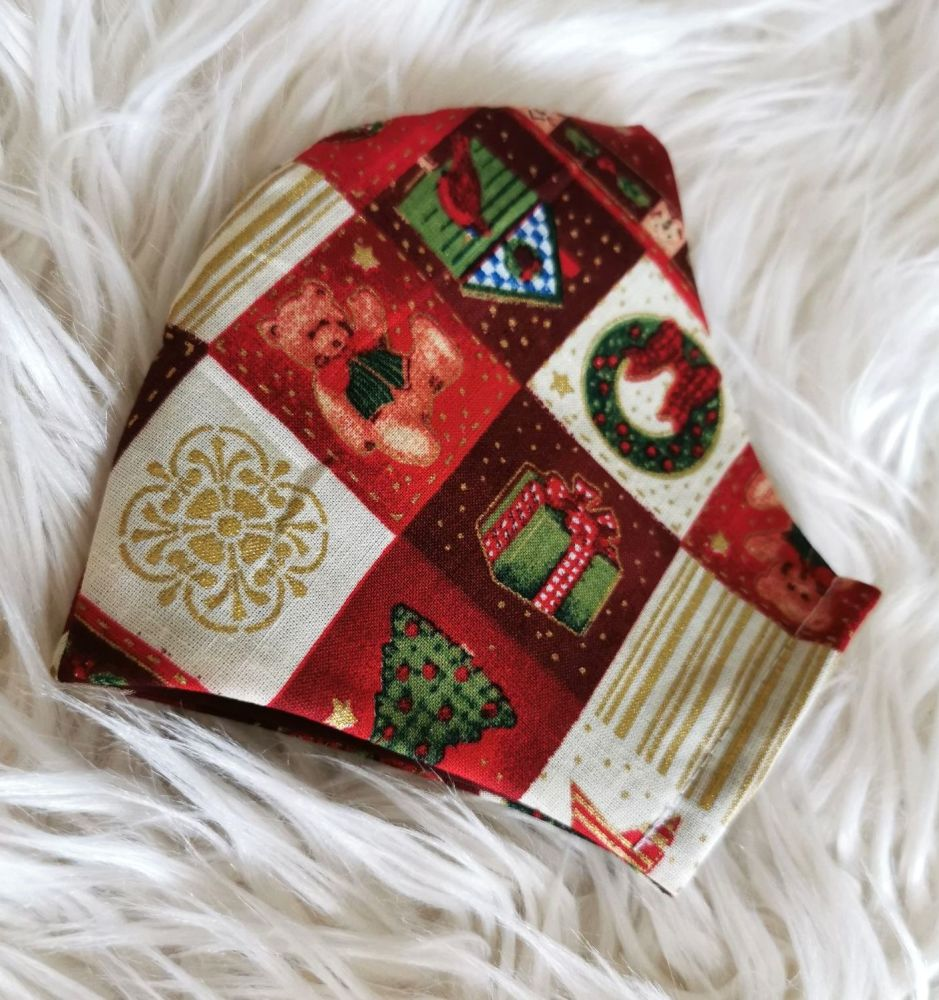 CHRISTMAS TREASURES FACE COVERING