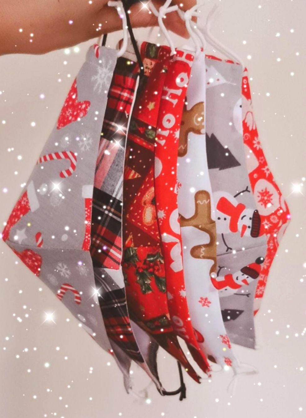 CHRISTMAS FACE COVERING - ADULTS / RANDOM