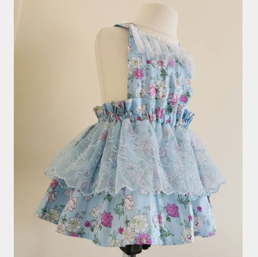 06/12M - BLUE FLORAL SWISS LACE PINNY