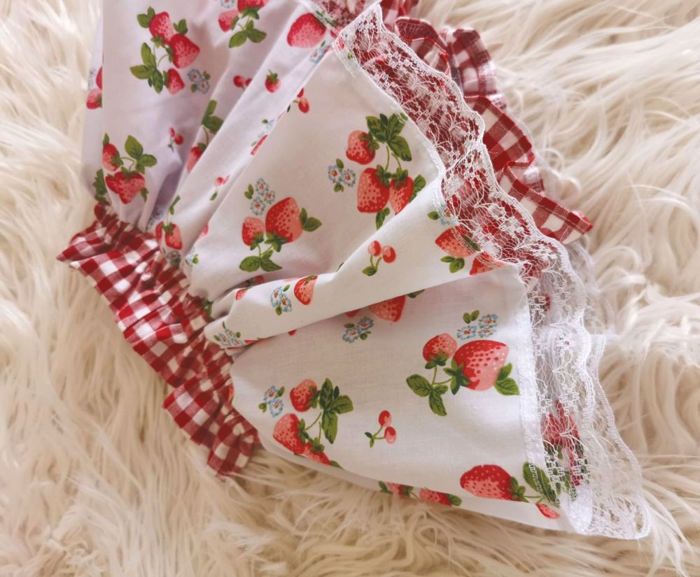 PEPLUM BLOOMERS - WHITE STRAWBERRY GINGHAM