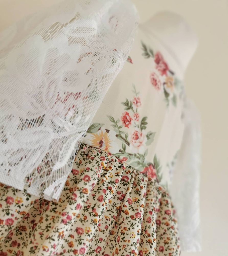 2/3YEARS -VINTAGE ROSE BUD LACE SLEEVE ANGELIQUE DRESS