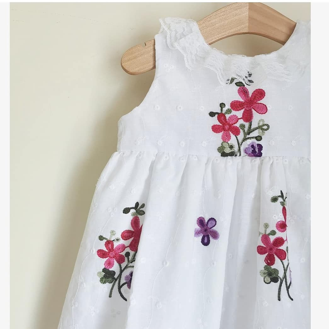 LILY TEA DRESS - FLORAL EMBROIDERY BRODERIE ANGLAIS