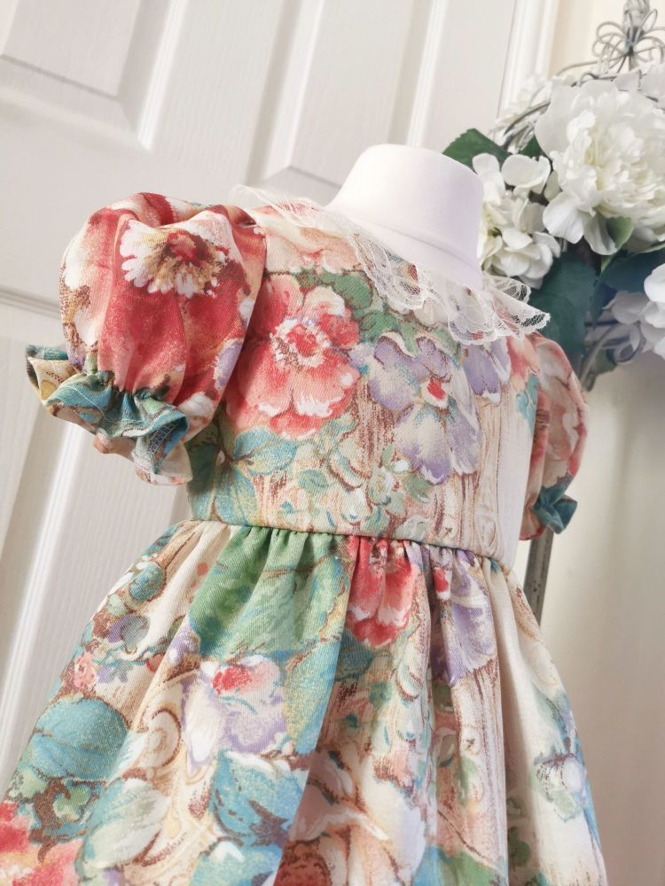 DAINTY PEPLUM - COUNTRY COTTAGE