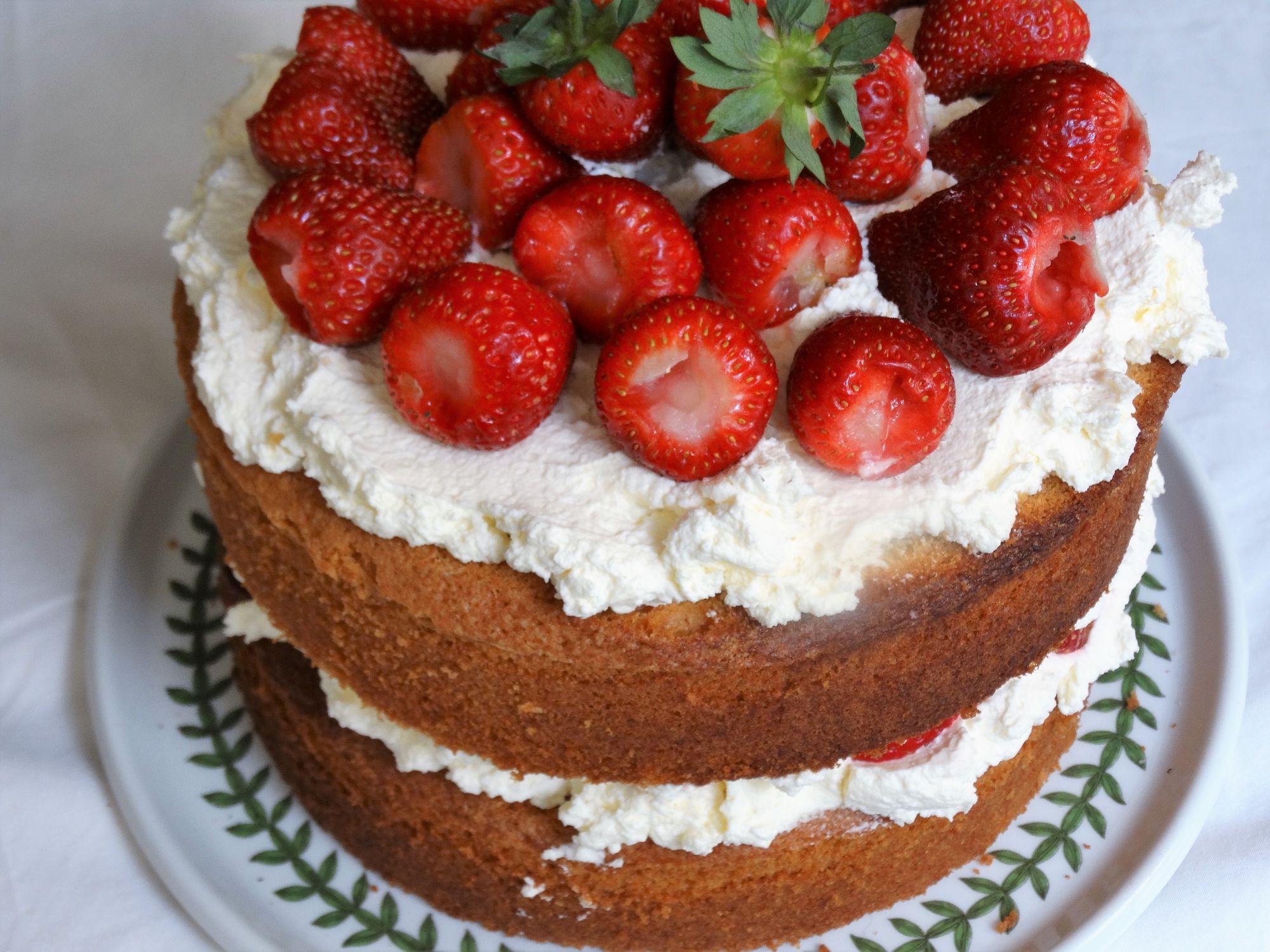 Fresh Strawberry and Cream Victoria Sponge Cake