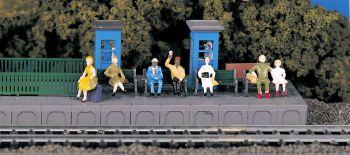 Sitting Passengers (HO Scale)