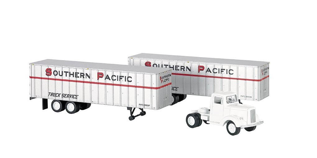 Southern Pacific™ - White Truck Cab & 2 Piggyback Trailers (HO)